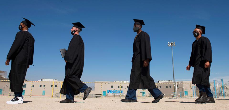 Cal State Inmates Graduate